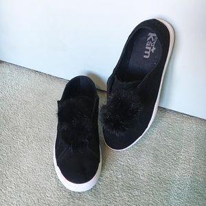 Shoes - Pom Pom Shoes